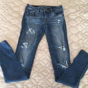 American Eagle Ripped Jeggings Size 2 Long MUST GO